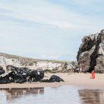 Rotes Surfbrett Quiberon Bretagne